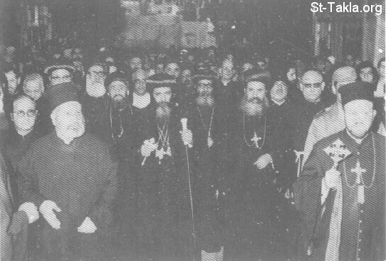 St-Takla.org Image: His Holiness Pope Shenouda III at the headquarter of the Syriac Patriarchate, Damascus, 1972 ���� �� ���� ������ ����: ���� ������ ����� ������ ����� ������ ���� ���������� ��������� ����� ��� 1972�