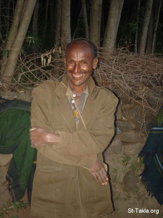 St-Takla.org Image: A happy man, shy, wide smile - from St-Takla.org's Ethiopia visit, 2008 ���� �� ���� ������ ����: ��� ��� �� ��� ������� ����ɡ ����� - �� ��� ���� ���� ������ ����������� �������� 2008