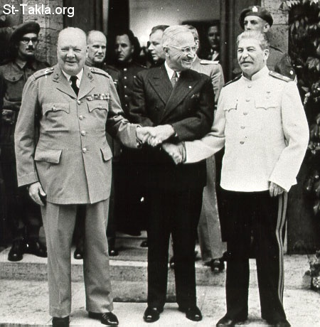 St-Takla.org Image: Churchill Truman Stalin shake on the New World Order at Potsdam - July 1945 ���� �� ���� ������ ����: ����� ������ � ������ ������ ��� ����� �� ������� ������� ������ �� ������� ����� 1945
