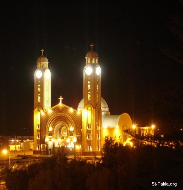 St-Takla.org Image: Saint Mina Cathedral, at the Monastery of St. Mina, Mariout, Alexandria, Egypt - Photograph by Michael Ghaly for St-Takla.org ���� �� ���� ������ ����: ��������� ��� ���� �� ��� ������ ������� �������� ����ء ���������ɡ ��� - ����� ����� ���� ��: ���� ������ ���� �������
