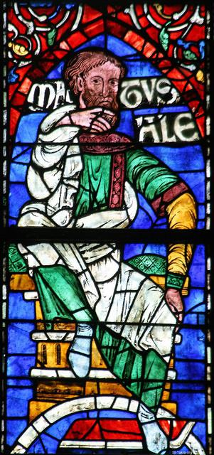 St-Takla.org Image: Stained glass window in south-west transept of Canterbury Cathedral depicting Methuselah, who lived to be 969 years old - photographed by Robert Scarth, 23 August 2008 صورة في موقع الأنبا تكلا: لوحة زجاج معشق في الجناح الجنوبي الغربي من كاتدرائية كانتربيري تصور متوشالح، الذي عاش 969 سنة - تصوير روبيرت سكارث، 23 أغسطس 2008