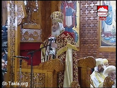 St-Takla.org Image: Pope Shenouda in the Coptic Christmas Mass (sermon), Jan. 2008 - Aired on Egyptian National Television: El Masria Channel ���� �� ���� ������ ����: ������ ����� �� ���� ��������� ������: ��� ���� ��� ������� �����ϡ ����� 2008 ���� �� ������ ��� ������ ������ ��� ���� �������