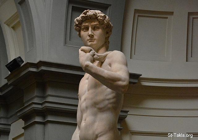 St-Takla.org Image: David marble statue, by Michelangelo (1501-1504), 5.17 meter (details 21). The masterpiece of Renaissance sculpture depicts young David after he has made the decision to fight Goliath. - David's Room: Galleria dell'Accademia: Gallery of the Academy of Florence, Florence (Firenze), Italy. Established in 1784. - Photograph by Michael Ghaly for St-Takla.org, September 30, 2014. صورة في موقع الأنبا تكلا: داود، تمثال رخامي يصور داود النبي بعد قراره محاربة جليات الجبار، عمل الفنان مايكل أنجلو (1501-1504)، بطول 5,17 مترًا (تفاصيل 21) - صور حجرة تمثال داود في متحف الأكاديميا، فلورنسا (فيرينزي)، إيطاليا. أُنشئ عام 1784 م. - تصوير مايكل غالي لموقع الأنبا تكلاهيمانوت، 30 سبتمبر 2014