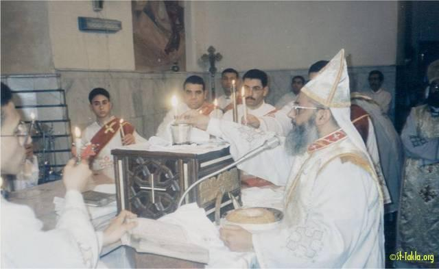 St-Takla.org Image: The Holy Liturgy at St. Takla Church, Alex - Fr. Angelos Fathy ���� �� ���� ������ ����: ���� ���� ���� �� ����� ���� ����� ����������� - ���� ������� ����