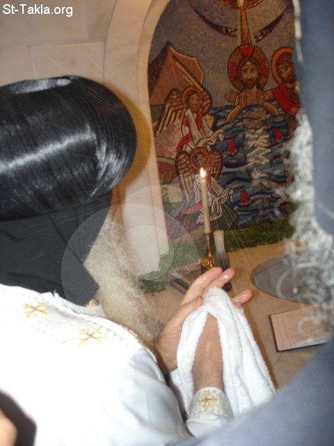 St-Takla.org Image: The CopticPope at the Baptistery of St. Takla Church, Alexandria, Egypt ���� �� ���� ������ ����: ������ ������ �� ������� ����� ������ ����������� ����������ɡ ���