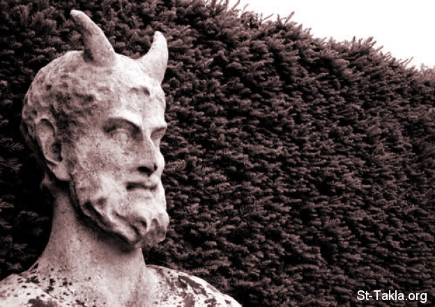 St-Takla.org         Image: The Devil Statue, Kew Gardens, UK ����: ����� ������� ����� �� ��������