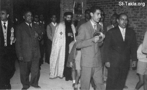 St-Takla.org Image: At Saint George Church, Sporting, Alexandria - around 1960, Mr. Youssef Habib is seen at the left side of Father Bishoy Kamel ���� �� ���� ������ ����: �� ����� ������ ���� �������� �� ������̡ ���������� - ��� 1960 ������ǡ ����� ����� ���� ���� ��� ���� ����� ����� ����
