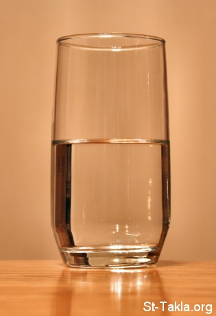 St-Takla.org         Image: A Glass of Water صورة: كأس أو كوب ماء